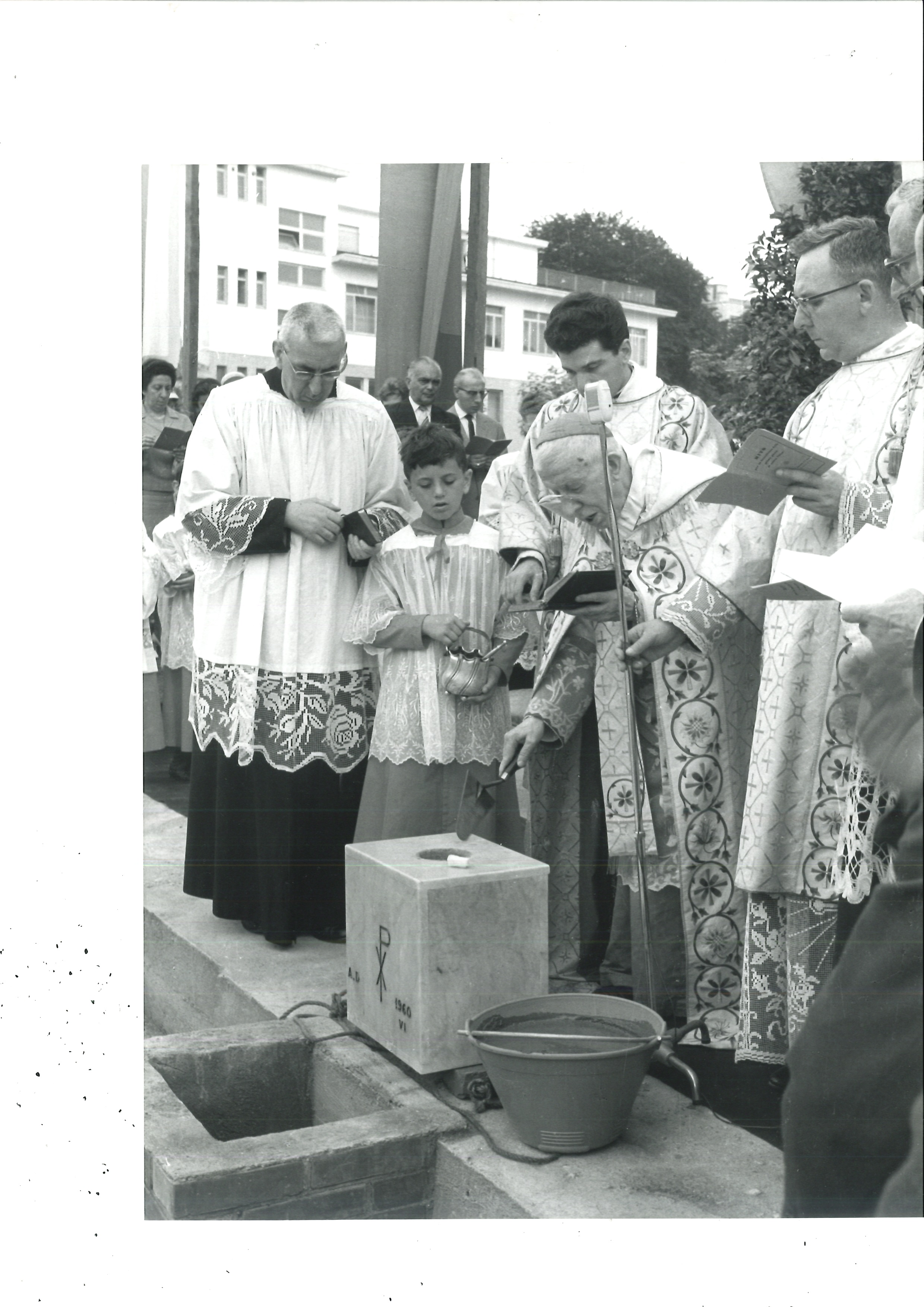 19 giugno 1960: Il cardinal Fossati benedice la prima pietra